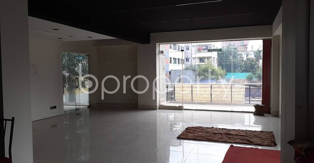 Check This 2185 Sq. Ft. Commercial Space Located In Ashkona College Road, Dakshin Khan Vacant For Rent