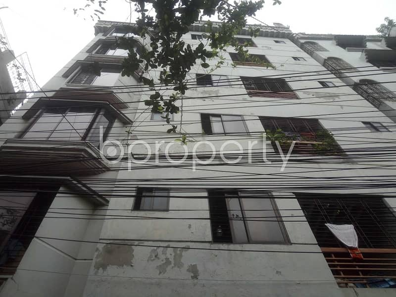A 2 Bedroom Flat For Rent Covering A Beautiful Area In Shahjadpur.