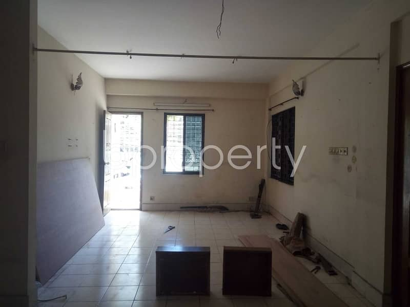 A Nice And Comfortable 1500 Sq Ft Flat Is Up For Rent In Mehidibag .