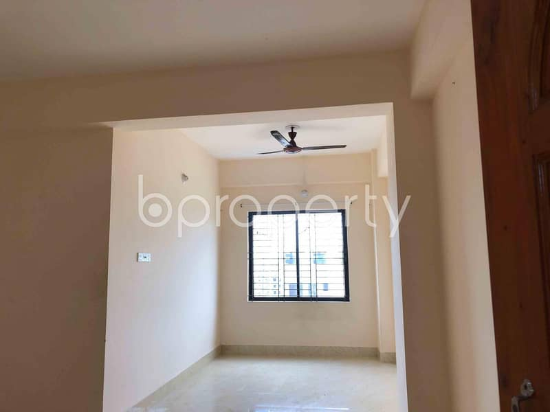 Nice 900 SQ FT flat is available for sale in Dakshin Khan