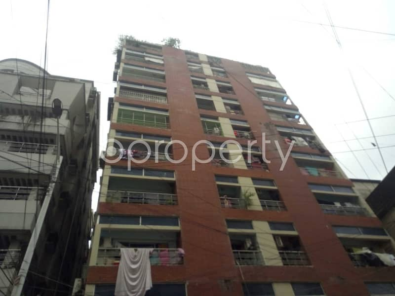 Offering you 2000 SQ FT flat to Rent in Bagmoniram