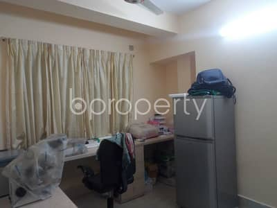 3 Bedroom Apartment for Rent in 15 No. Bagmoniram Ward, Chattogram - Beautiful Flat Covering An Area Of 1300 Sq Ft Is Up For Rent In Bagmoniram Ward