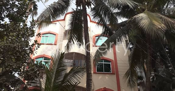 3 Bedroom Flat for Rent in Gazipur Sadar Upazila, Gazipur - This Ready Apartment At Gazipur, Near Hazi Market Is Up For Rent.