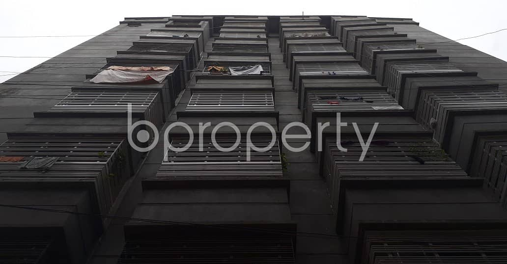 892 Sq. ft Apartment Is For Sale Near To Gowaltrek Jame Masjid .