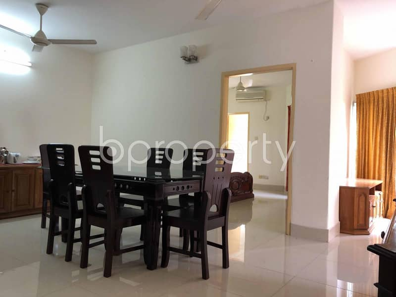 1600 Sq. ft Luxurious Apartment Is Ready To Rent At North Khulshi Area Close To Khulshi Jame Masjid.