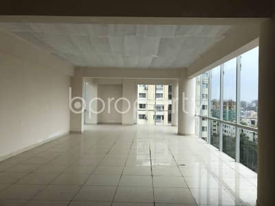Office for Sale in Dhanmondi, Dhaka - A Spacious Commercial Office Of 3034 Sq Ft In Dhanmondi Near To Farabi General Hospital Is Up For Sale.