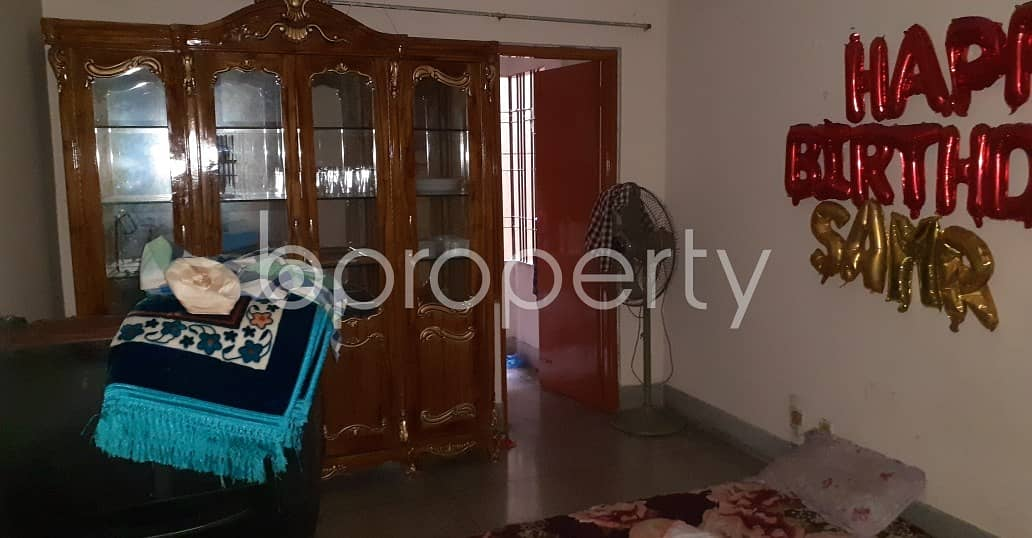 Flat For Rent In New Market Close To Aeroplane Jame Mosque.
