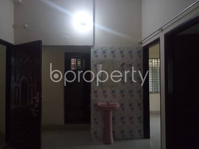 2 Bedroom Apartment for Rent in 15 No. Bagmoniram Ward, Chattogram - This 750 Sq Ft Flat In Bagmoniram With A Convenient Price Is Up For Rent