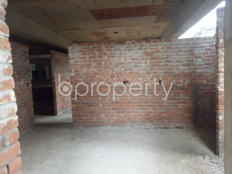 A well-constructed 1395 SQ FT flat is for sale in Sheikh Bahar Ullah Lane, Katalgonj