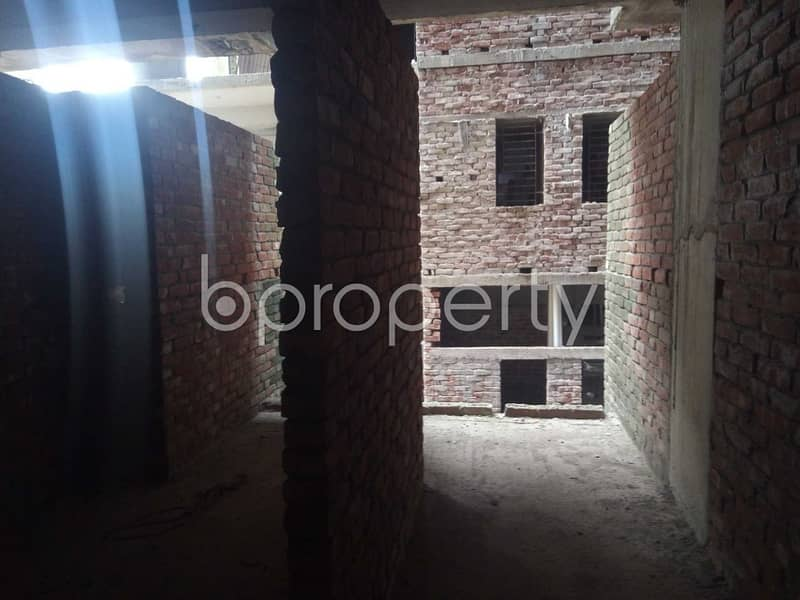 A well-constructed 1503 SQ FT flat is for sale in Panchlaish, Sheikh Bahar Ullah Lane