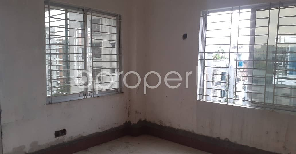1900 St Ft Large Flat Available For Sale In Bashundhara R-A Close To Chapra Masjid