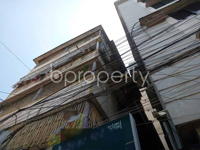 Offering you 700 SQ FT apartment to Rent in Maghbazar
