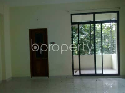 An Attractive Apartment Is Up For Rent Covering An Area Of 4500 Sq Ft At Khulshi Hill R/a.