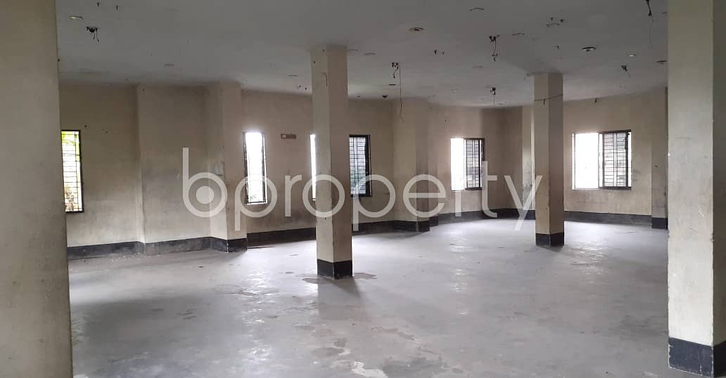 See This 2240 Sq Ft Commercial Space Up For Rent In Dakshin Khan