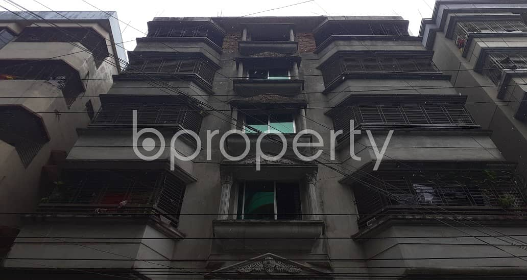 Nice 800 SQ FT apartment is available to Rent in Banasree, Block B