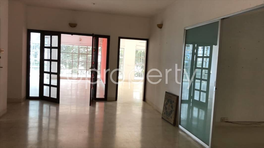 Magnificent Flat Is Up For Sale In Gulshan 1 Near To Wateraid Bangladesh