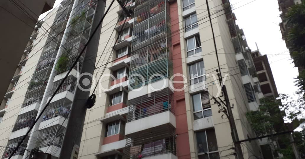 A Showy Apartment Of 1000 Sq Ft Is Waiting For Rent In A Wonderful Neighborhood In Jamal Khan.