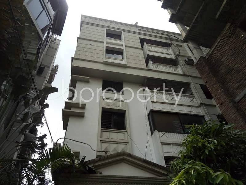 A Decent Flat Which Is Near To Manarat Dhaka International College Is Now For Rent In Gulshan 2