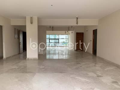 At Gulshan 1, A 31500 Sq Ft Well Fitted Residential Building Is On Rent
