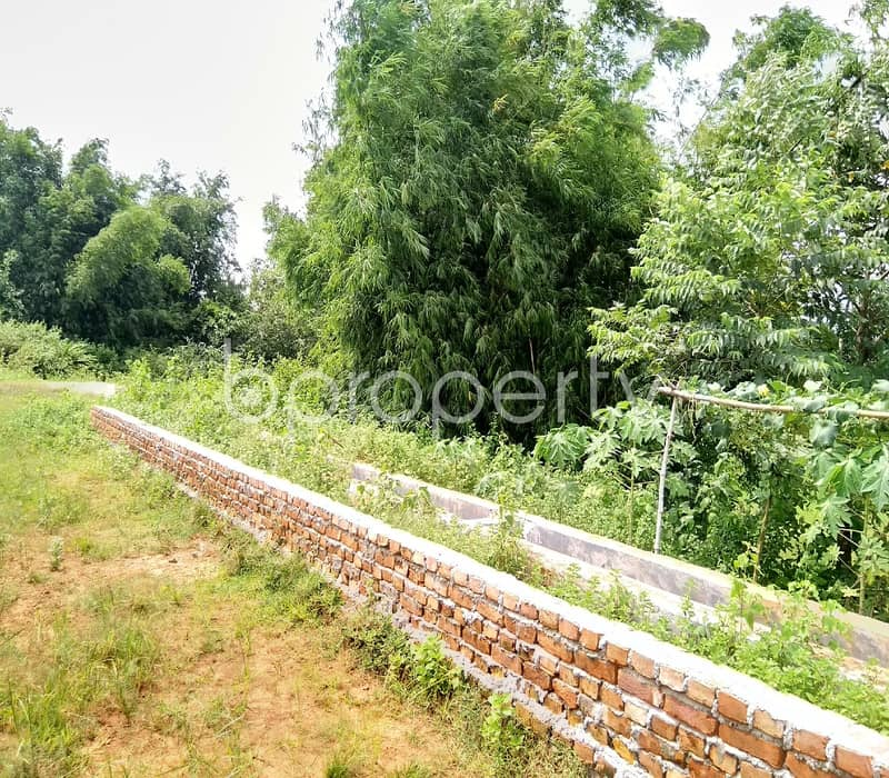 In Purbachal A 5 Katha Commercial Plot Is Up For Sale