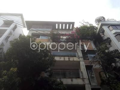 3 Bedroom Apartment for Rent in Baridhara DOHS, Dhaka - An Attractive Apartment Is Up For Rent Covering An Area Of 2600 Sq Ft At Baridhara DOHS