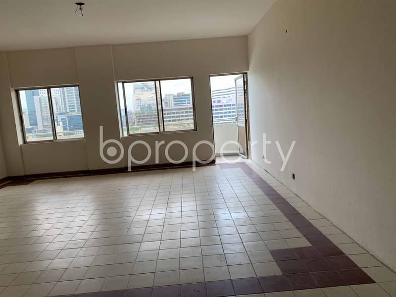 This Lucrative 2200 Sq. Ft Office Space Up For Rent In Kazi Nazrul Islam Avenue