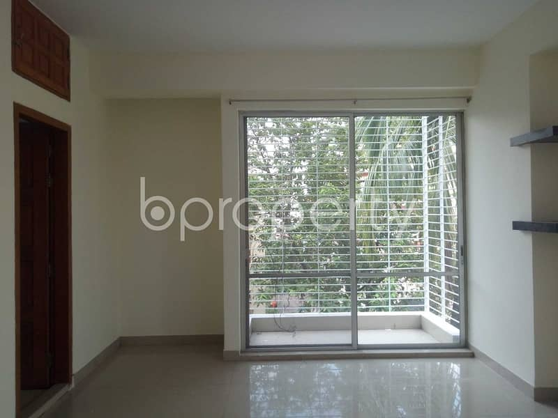 A Perfect Flat Of 1550 Sq Ft For Living With Family Is Available For Rent At Sugandha R/a