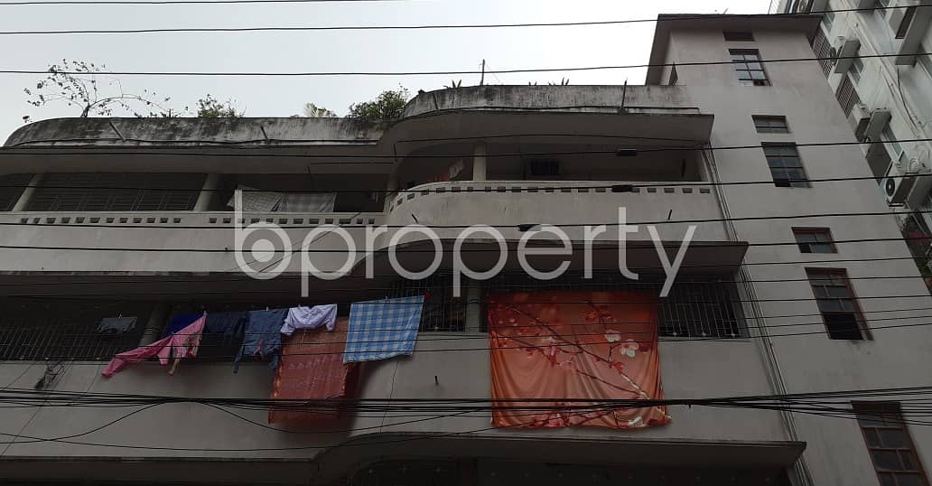 2400 Sq Ft An Apartment Is Ready For Rent At New Market, Near Eastern Mollika.