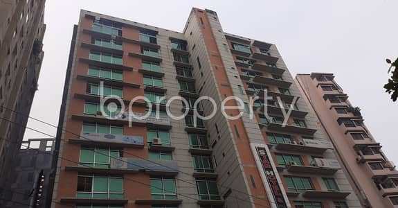 Floor for Rent in New Market, Dhaka - A Business Space Is Up For Rent In The Location Of New Market Near Gausia Market And Eastern Mollika.