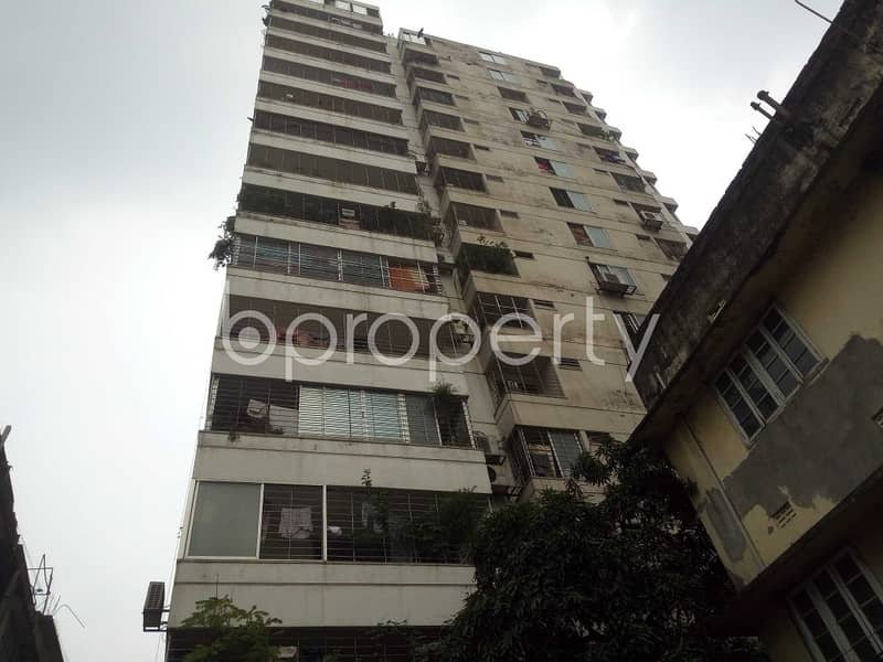 A 1300 Sq Ft Flat Can Be Found In Purana Paltan For Sale