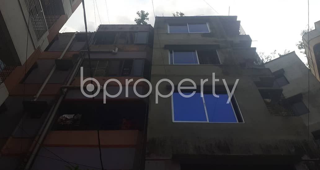 Ready flat 600 SQ FT is now to Rent in Banasree