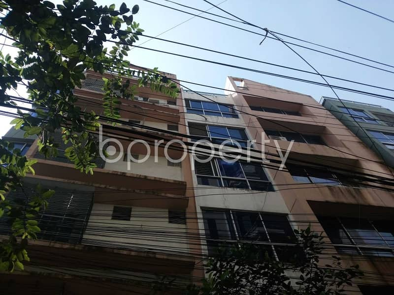 See This Large Apartment Is Up For Rent At South Khulshi Near Altaful Munir Jame Masjid.