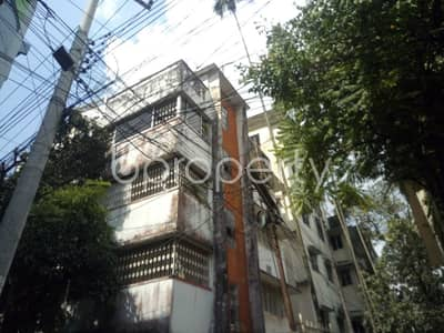 This flat in Mehidibag is up for rent with an area of 400 sq. ft