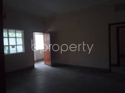 This flat in Mehidibag is up for rent with an area of 1450 sq. ft