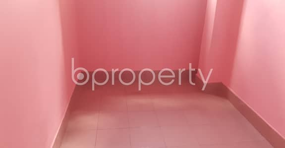 2 Bedroom Flat for Rent in 33 No. Firingee Bazaar Ward, Chattogram - Ready for move in check this 900 sq. ft flat for rent which is in 33 No. Firingee Bazaar Ward