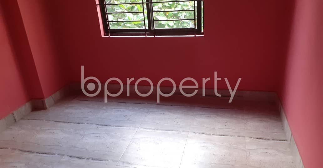 Ready for move in check this 900 sq. ft flat for rent which is in 33 No. Firingee Bazaar Ward