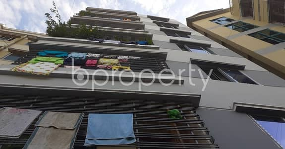 2 Bedroom Flat for Rent in 33 No. Firingee Bazaar Ward, Chattogram - This Flat In Firingee Bazaar With A Convenient Price Is Up For Rent