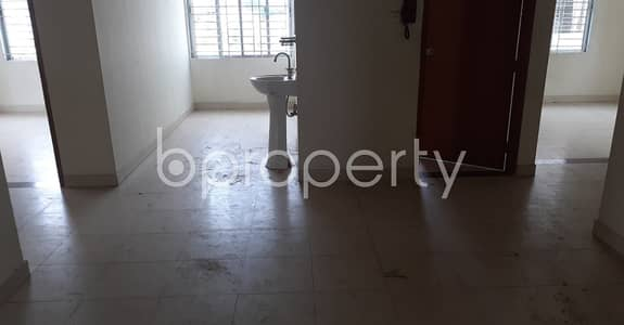 3 Bedroom Flat for Rent in 33 No. Firingee Bazaar Ward, Chattogram - Tastefully Designed this 1400 SQ FT apartment is now vacant for rent in 33 No. Firingee Bazaar Ward