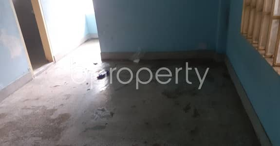 2 Bedroom Flat for Rent in 33 No. Firingee Bazaar Ward, Chattogram - Tastefully Designed this 900 SQ FT apartment is now vacant for rent in 33 No. Firingee Bazaar Ward