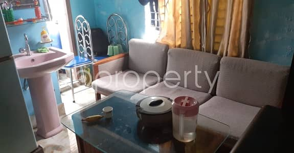 2 Bedroom Flat for Rent in 33 No. Firingee Bazaar Ward, Chattogram - Tastefully Designed this 1000 SQ FT apartment is now vacant for rent in Firingee Bazaar, Bangshal Road