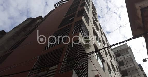 2 Bedroom Flat for Rent in 33 No. Firingee Bazaar Ward, Chattogram - Tastefully Designed this 1100 SQ FT apartment is now vacant for rent in Firingee Bazaar Ward