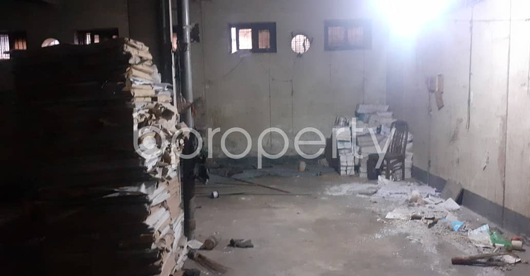 Commercial Factory Of 1600 Sq Ft Is For Rent In Agamasi Lane, Bangshal.