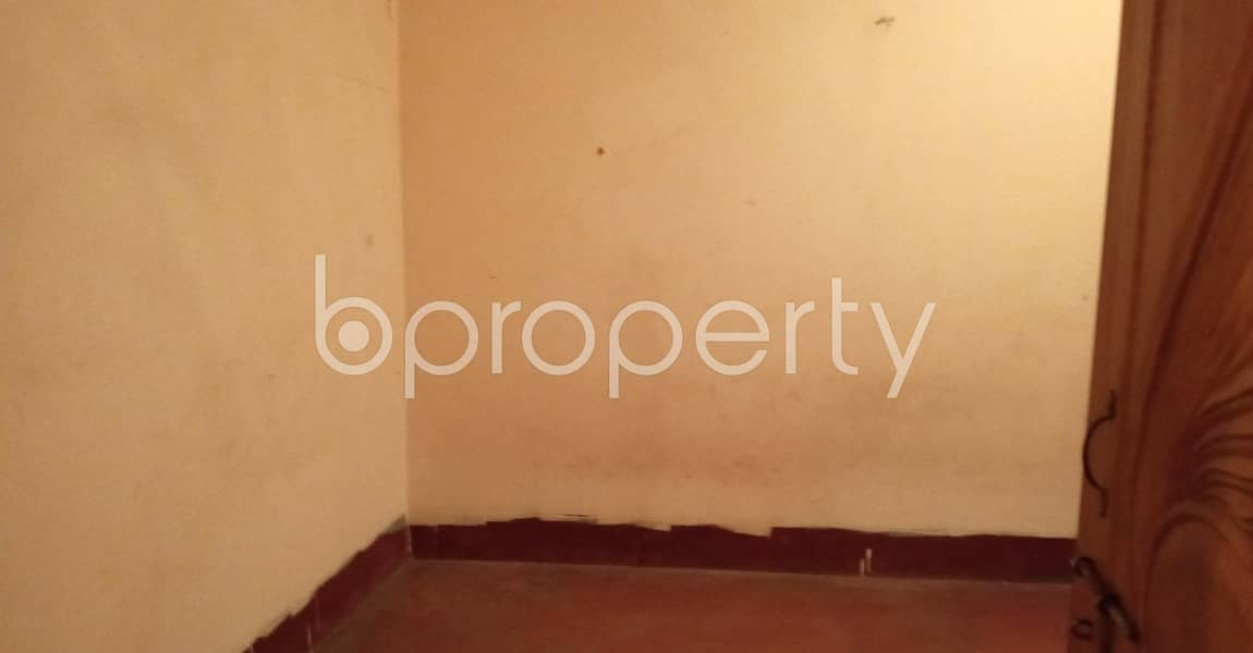 Looking for a beautiful flat to rent in 7 No. West Sholoshohor Ward, check this one which is 900 SQ FT