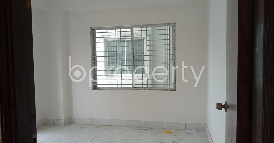 Well Developed Living Space Is For Rent In West Sholoshohor