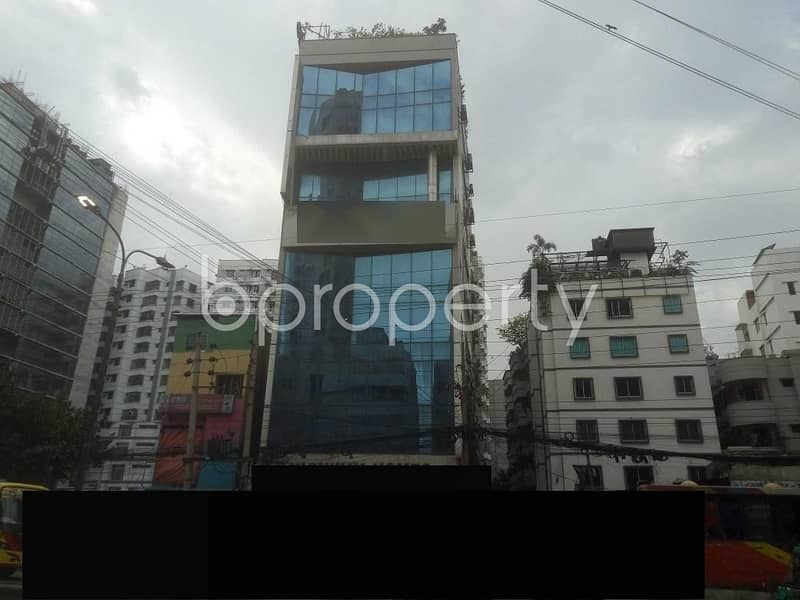 Deal with Your Business in 360 Sq Ft Office with a Convenient for sale in Shahjadpur