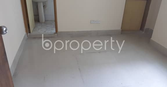 3 Bedroom Flat for Rent in 33 No. Firingee Bazaar Ward, Chattogram - Well-featured 1300 Sq Ft Residence Is Ready For Rent At Firingee Bazaar