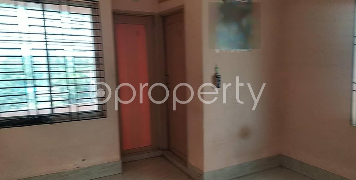 1000 SQ FT apartment is now Vacant to rent in 26 No. North Halishahar Ward