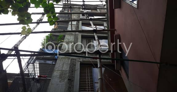 2 Bedroom Flat for Rent in New Market, Dhaka - Now you can afford to dwell well, check this 900 SQ FT flat in New Market, Elephant Road